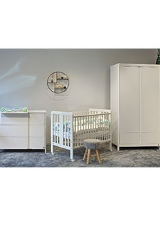 YappyClassic wardrobe and dresser with YappyStar cot