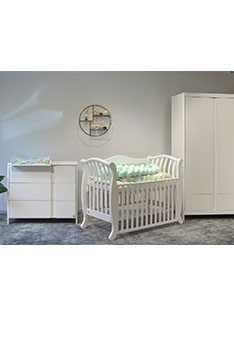 YappyClassic wardrobe and dresser with YappyLa:le cot