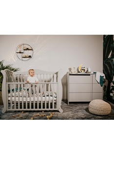 LIGHT GREY YappyLa:le cot and YappyClassic dresser